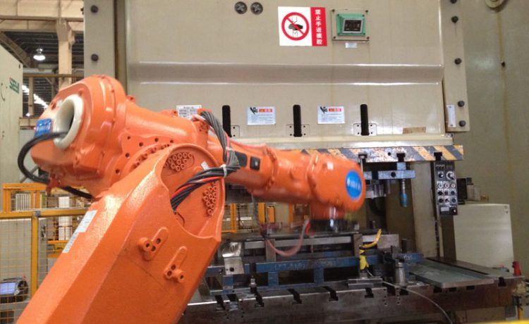 How does a truss robot perform analysis of the instructions we give?