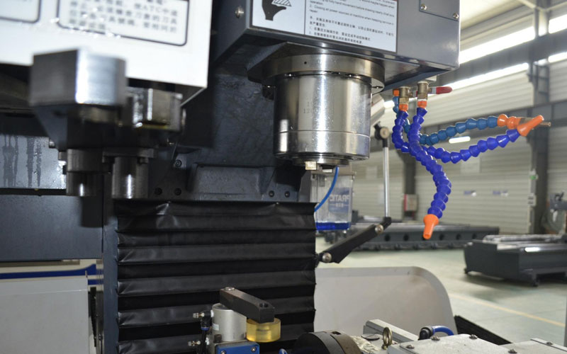 The Difference Between Small Machining Centers And Engraving Machines