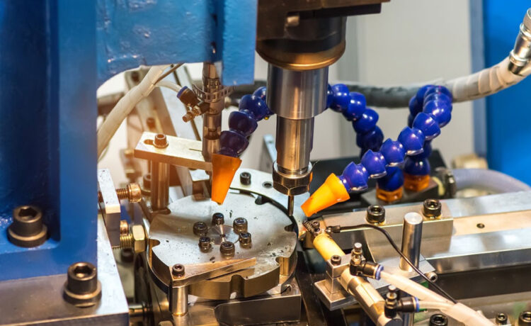 How to choose downcut and upcut milling for CNC machined parts